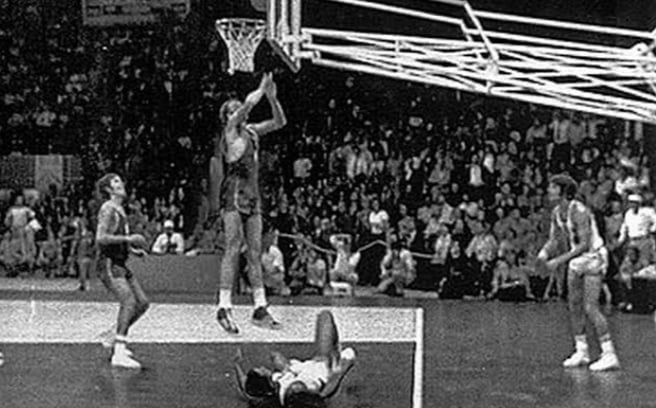This unmolested twinner by Alexander Belov lifted the former Soviet Union to a controversial 51-50 decision over the U S. in the men's basketball finals of the terrorism-marred 1972 Olympics in Munich, Germany.
